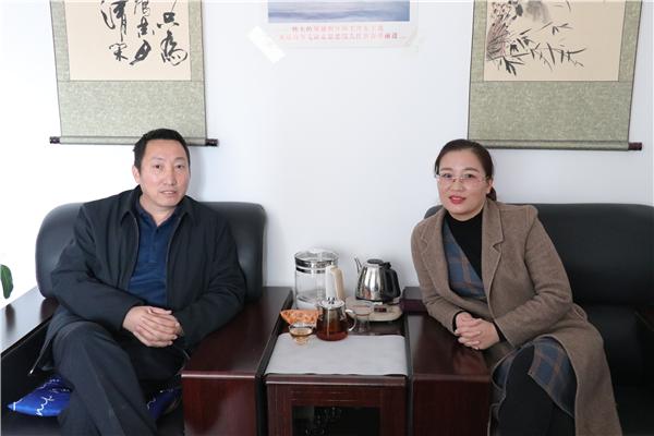 新红网总编张卫东应邀到华百网参观洽谈工作