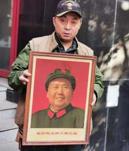 李长东:红色情结饱满的军品收藏大王